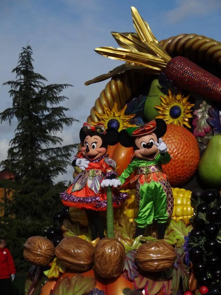Une journée à Disneyland pour découvrir la période d' Halloween ! - Page 4 DSC02926_zps0077060c