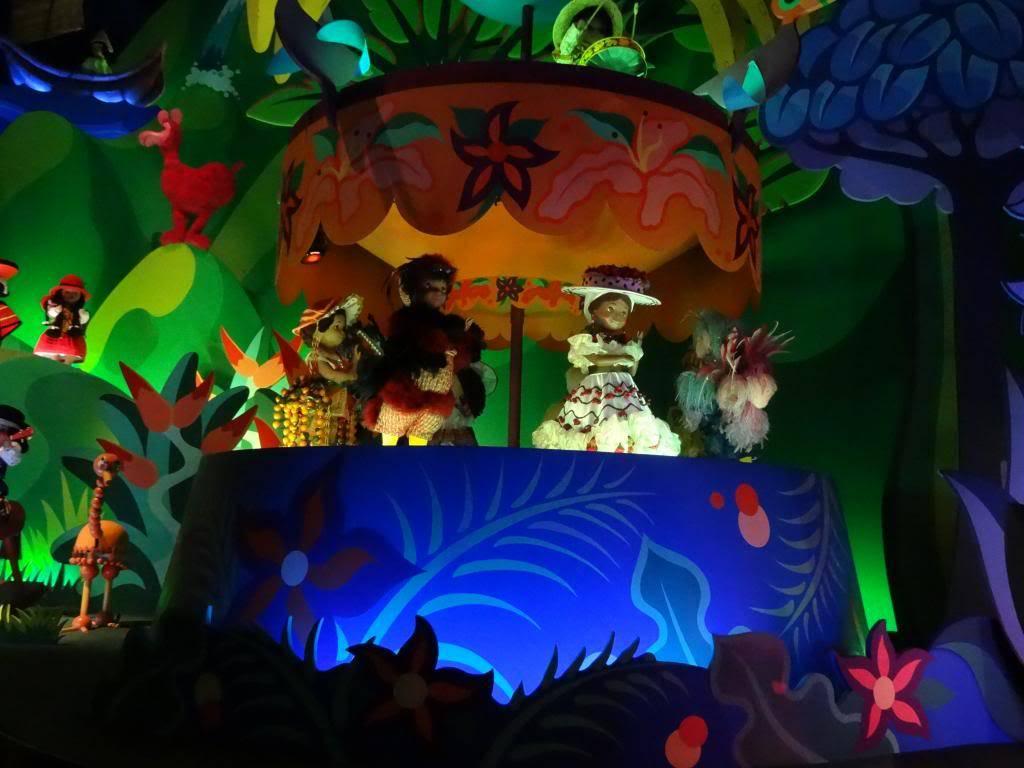 Une journée à Disneyland pour découvrir la période d' Halloween ! - Page 4 DSC02981_zpse1909077