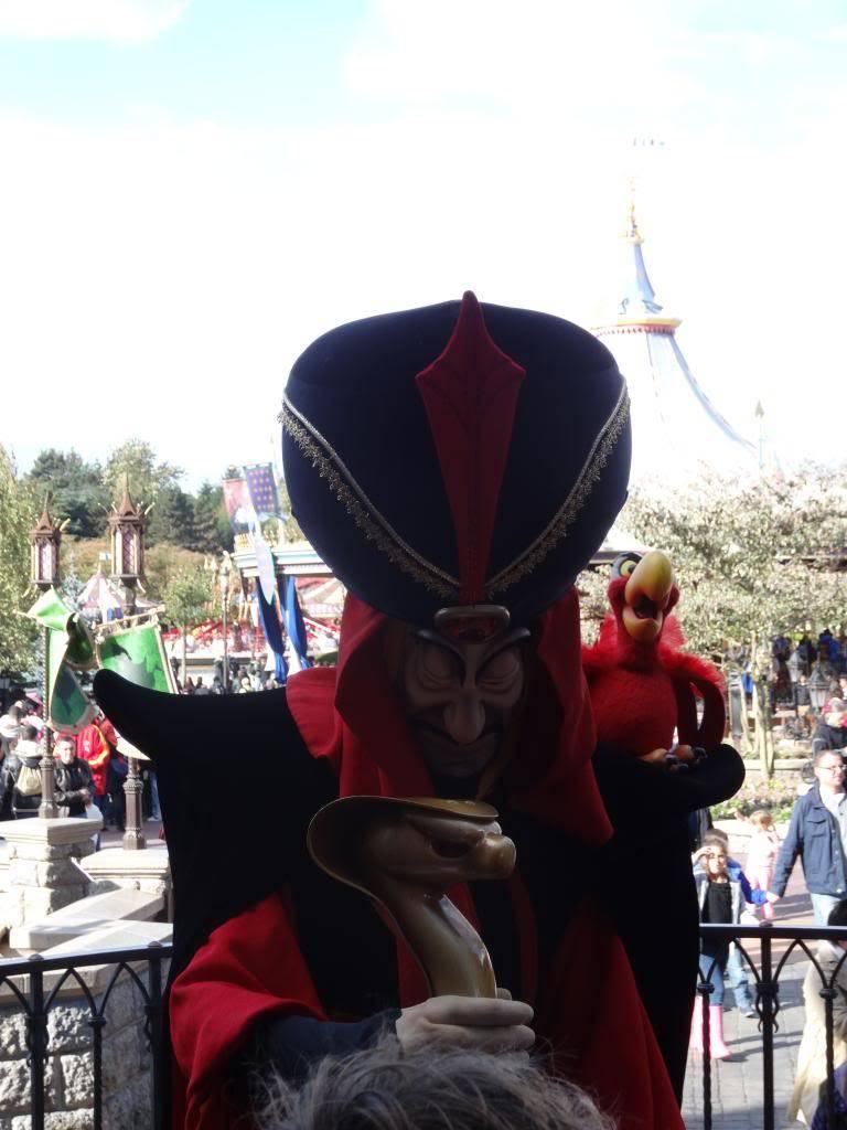 Une journée à Disneyland pour découvrir la période d' Halloween ! - Page 4 DSC02994_zps38aadbc9