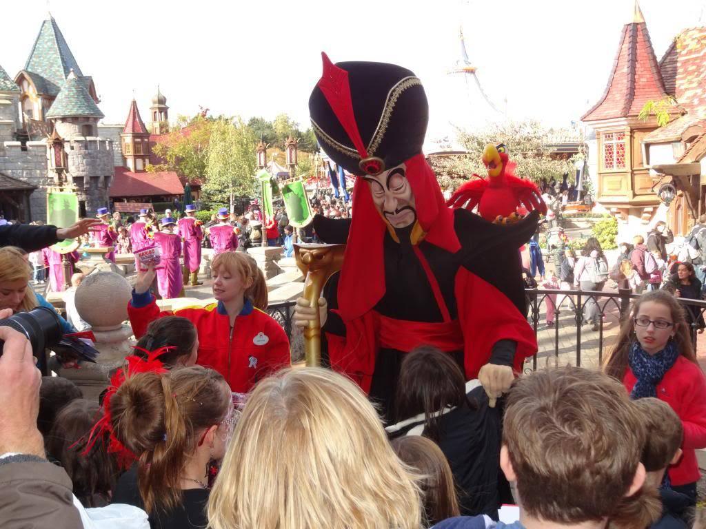 Une journée à Disneyland pour découvrir la période d' Halloween ! - Page 4 DSC02995_zps2c1689f1