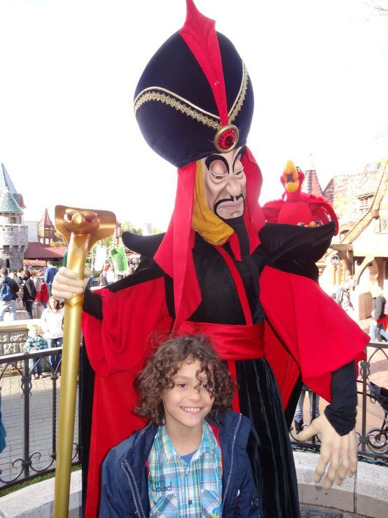 Une journée à Disneyland pour découvrir la période d' Halloween ! - Page 4 DSC03006_zps670c68fe