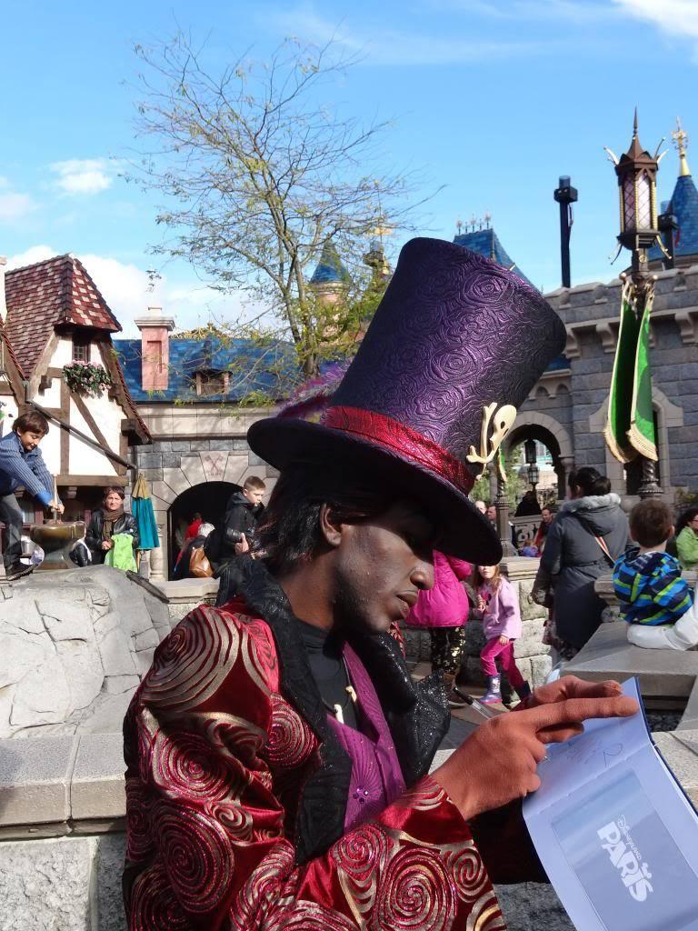 Une journée à Disneyland pour découvrir la période d' Halloween ! - Page 4 DSC03009_zpscec0122a