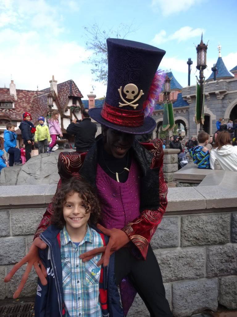 Une journée à Disneyland pour découvrir la période d' Halloween ! - Page 4 DSC03011_zps3a4d1693