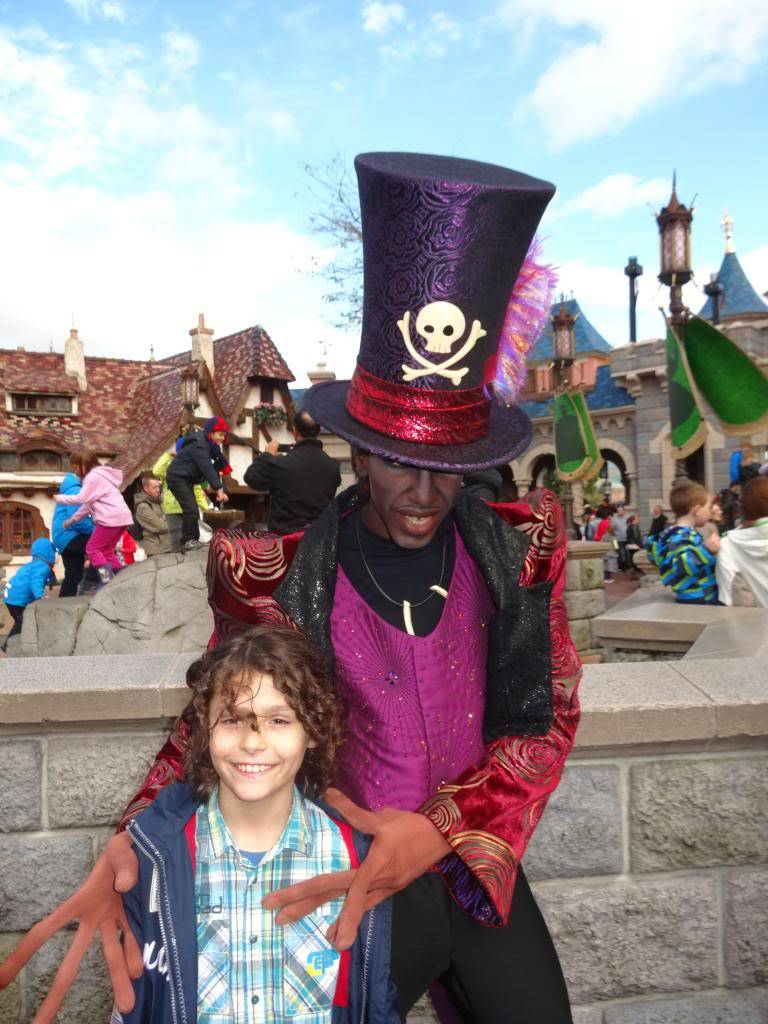 Une journée à Disneyland pour découvrir la période d' Halloween ! - Page 4 DSC03012_zps78058289