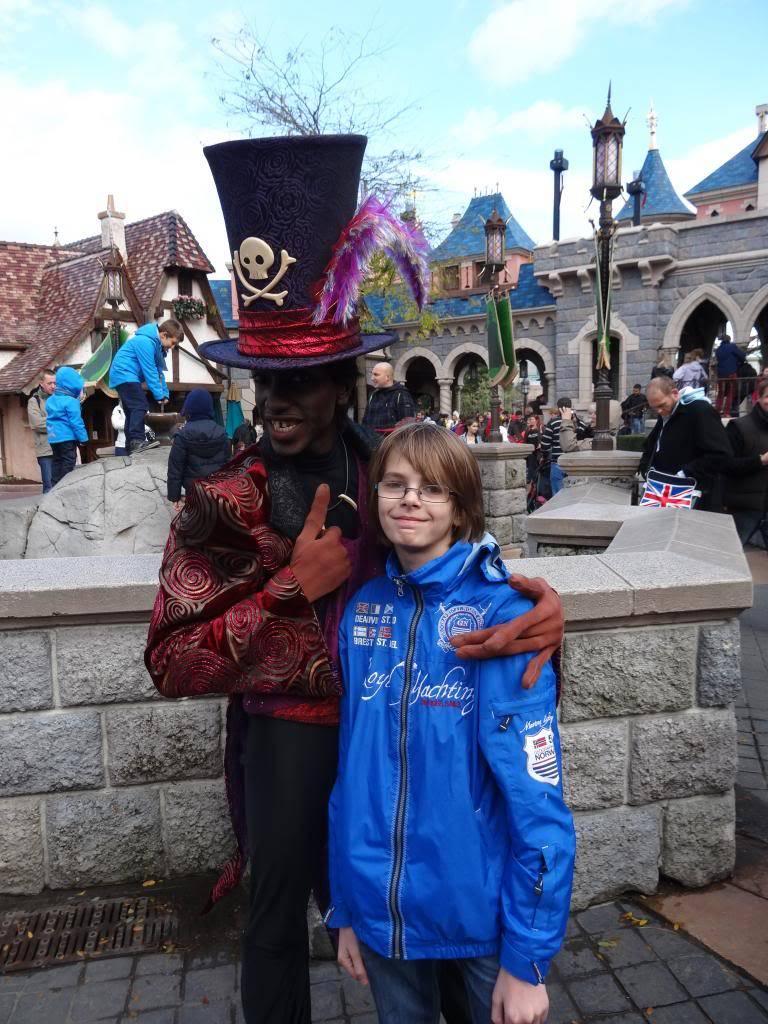 Une journée à Disneyland pour découvrir la période d' Halloween ! - Page 4 DSC03013_zps3eb099be