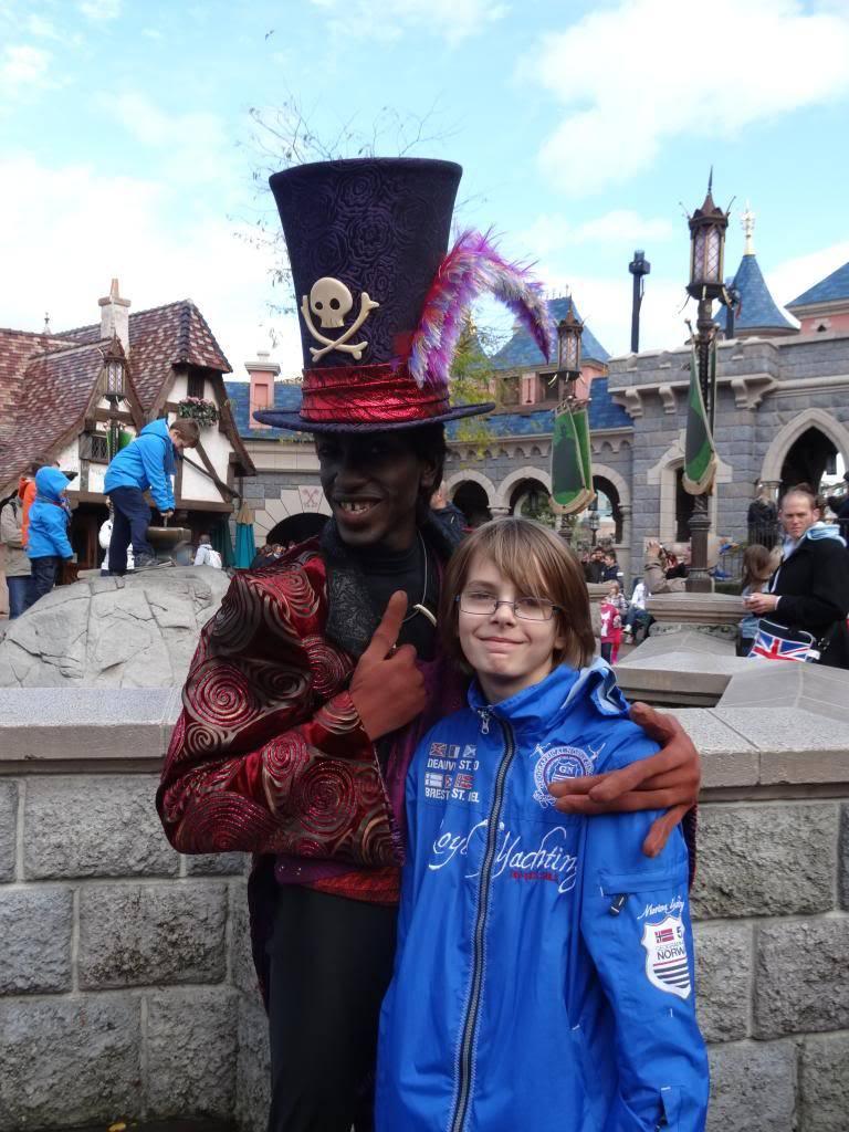 Une journée à Disneyland pour découvrir la période d' Halloween ! - Page 4 DSC03014_zps0120aa57
