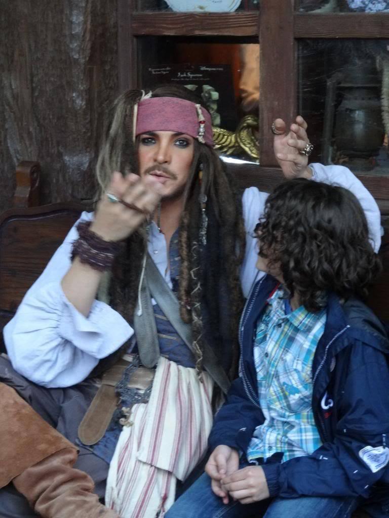 Une journée à Disneyland pour découvrir la période d' Halloween ! - Page 5 DSC03075_zpsf33a5498