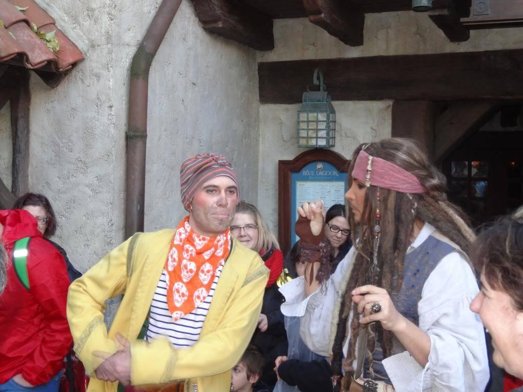 Une journée à Disneyland pour découvrir la période d' Halloween ! - Page 5 DSC03080_zps7e8fcb54
