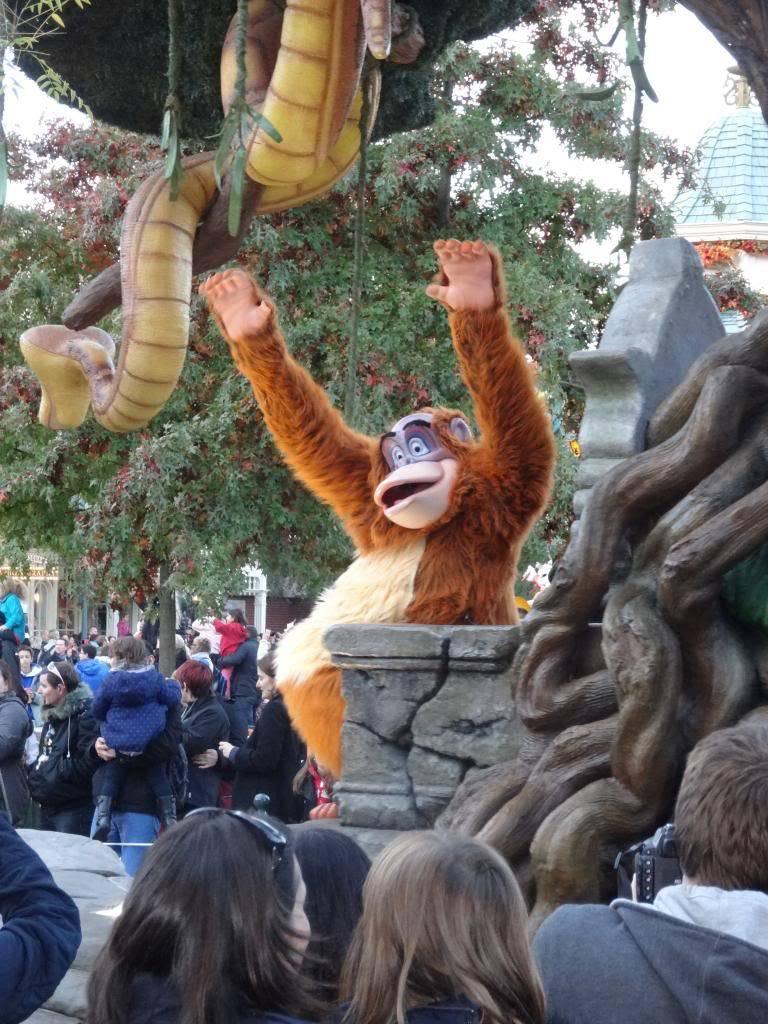 Une journée à Disneyland pour découvrir la période d' Halloween ! - Page 5 DSC03088_zps64da931b