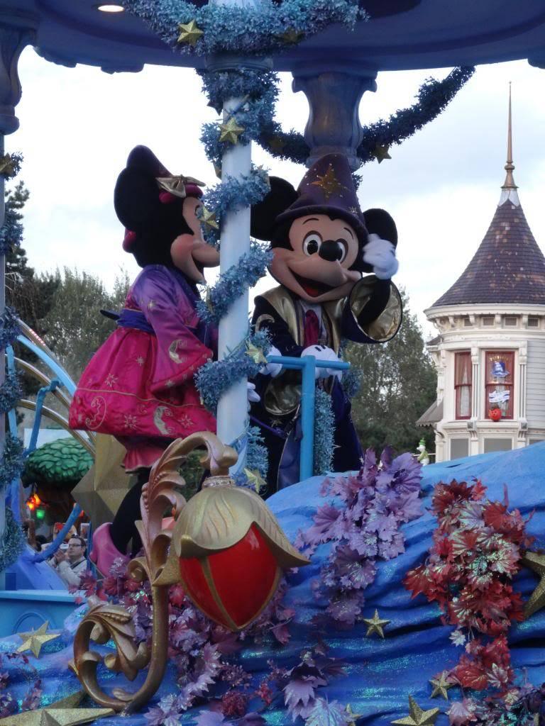 Une journée à Disneyland pour découvrir la période d' Halloween ! - Page 5 DSC03098_zps89deb369