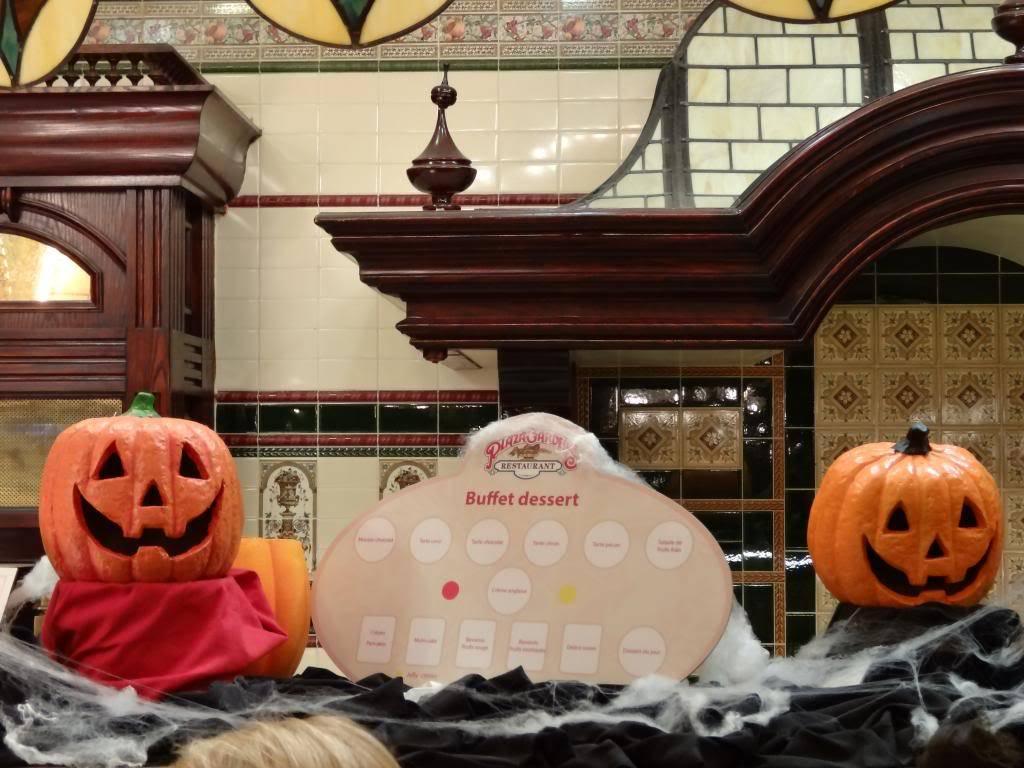 Une journée à Disneyland pour découvrir la période d' Halloween ! - Page 5 DSC03144_zps78394606