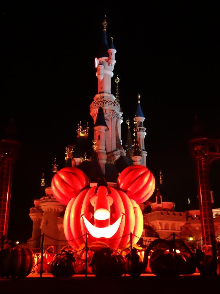Une journée à Disneyland pour découvrir la période d' Halloween ! - Page 5 DSC03164_zps82587af6