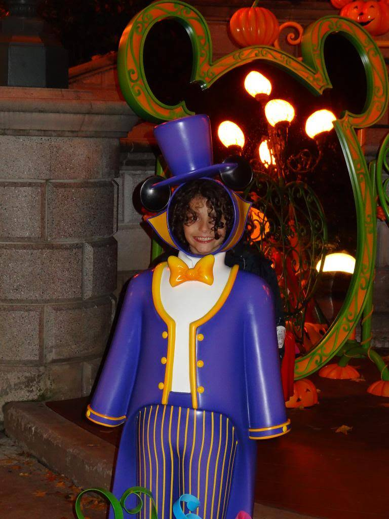 Une journée à Disneyland pour découvrir la période d' Halloween ! - Page 6 DSC03296_zps8e2c7d82