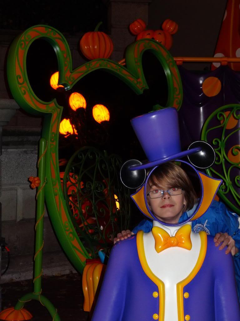 Une journée à Disneyland pour découvrir la période d' Halloween ! - Page 6 DSC03308_zpse46521bf