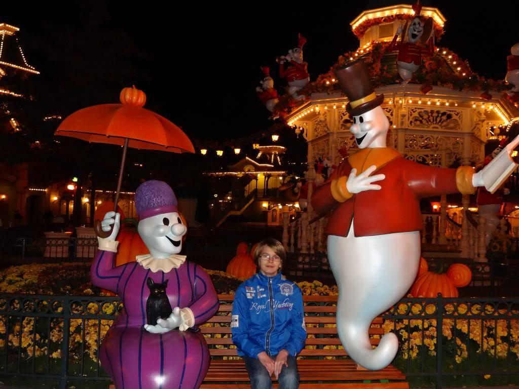 Une journée à Disneyland pour découvrir la période d' Halloween ! - Page 6 DSC03319_zps0fe6e811
