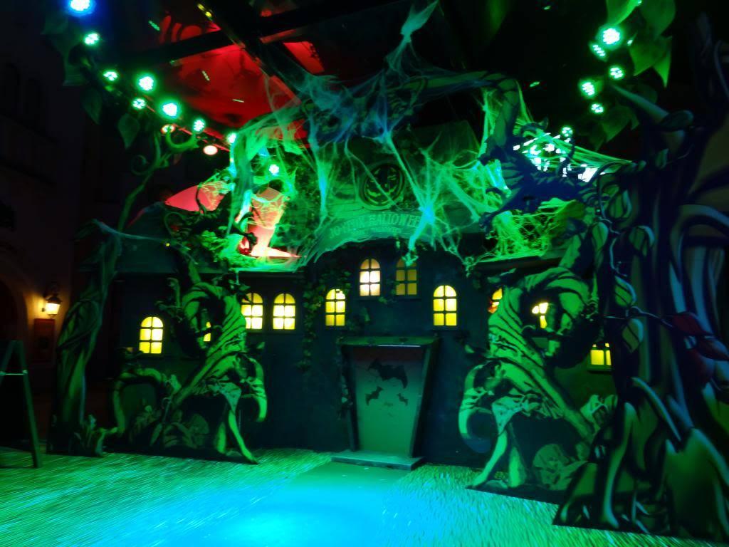 Une journée à Disneyland pour découvrir la période d' Halloween ! - Page 6 DSC03343_zps7581be5a