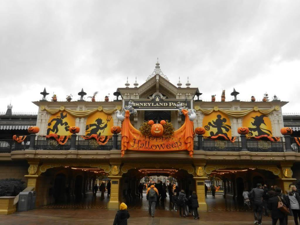 Une journée à Disneyland pour découvrir la période d' Halloween ! DSCN6108_zps6f12c887