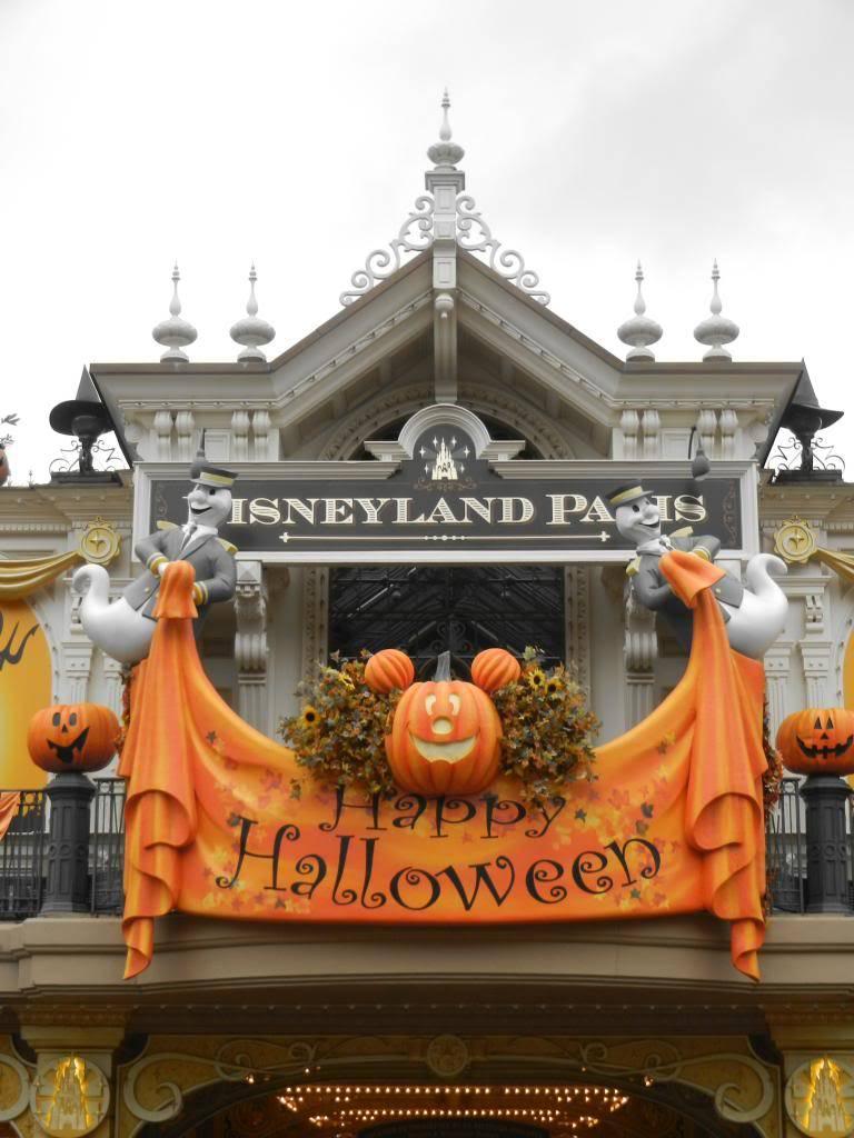 Une journée à Disneyland pour découvrir la période d' Halloween ! DSCN6109_zps48740252