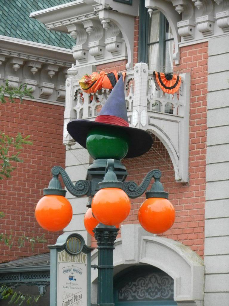 Une journée à Disneyland pour découvrir la période d' Halloween ! DSCN6111_zps9b52ccf4