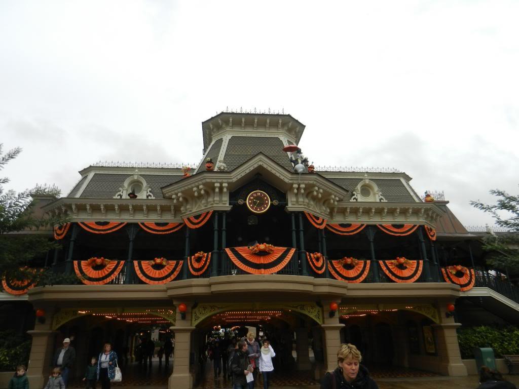 Une journée à Disneyland pour découvrir la période d' Halloween ! DSCN6112_zps4240b67f