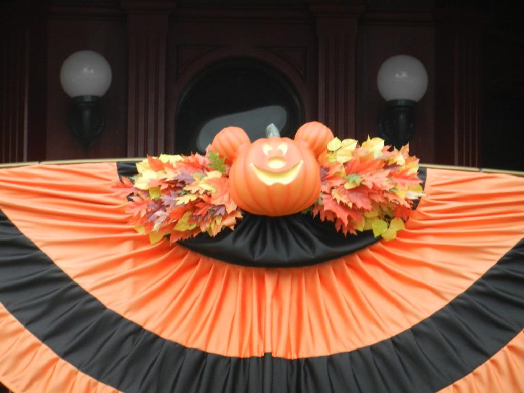 Une journée à Disneyland pour découvrir la période d' Halloween ! DSCN6114_zps67c74dde