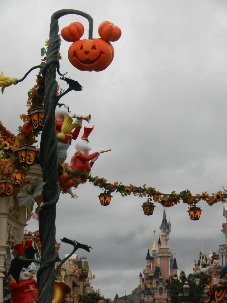 Une journée à Disneyland pour découvrir la période d' Halloween ! DSCN6117_zps89113bdc