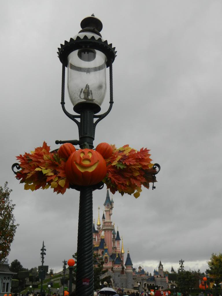 Une journée à Disneyland pour découvrir la période d' Halloween ! - Page 2 DSCN6132_zps744701f3