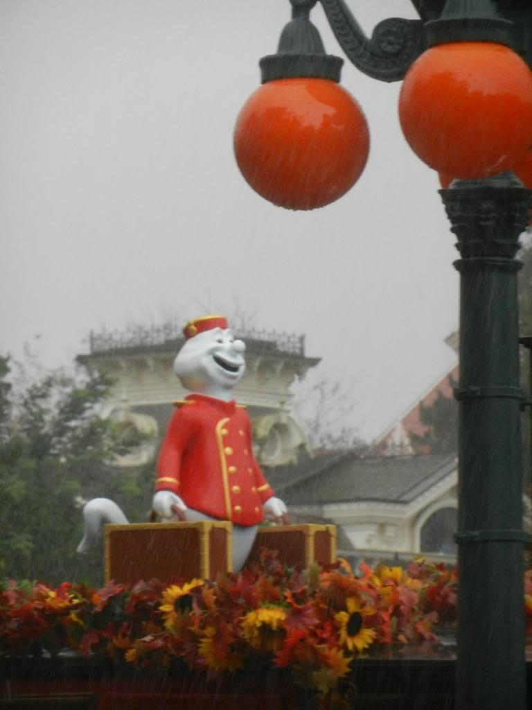 Une journée à Disneyland pour découvrir la période d' Halloween ! - Page 2 DSCN6157_zps914417df
