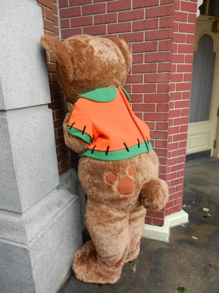 Une journée à Disneyland pour découvrir la période d' Halloween ! - Page 2 DSCN6187_zpsea5ca0de