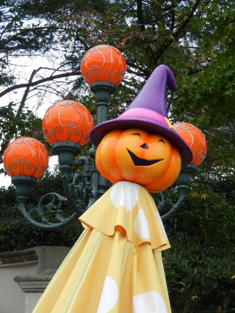 Une journée à Disneyland pour découvrir la période d' Halloween ! - Page 3 DSCN6201_zps9f09d782