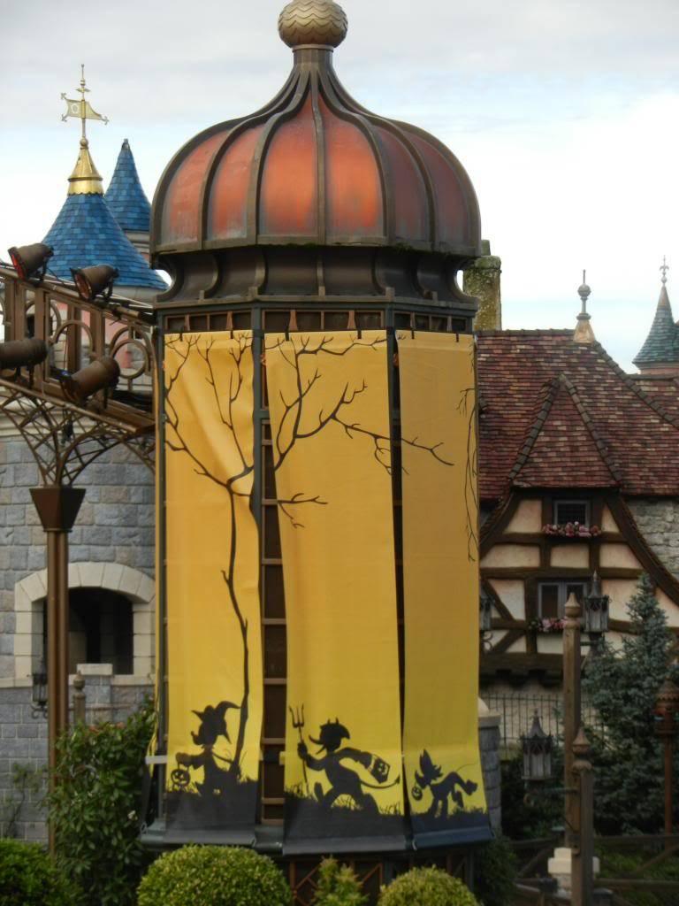 Une journée à Disneyland pour découvrir la période d' Halloween ! - Page 3 DSCN6211_zpsc7af707d