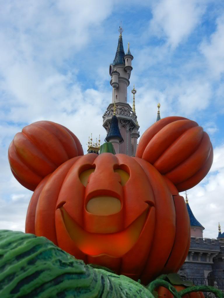 Une journée à Disneyland pour découvrir la période d' Halloween ! - Page 3 DSCN6215_zps471d8000