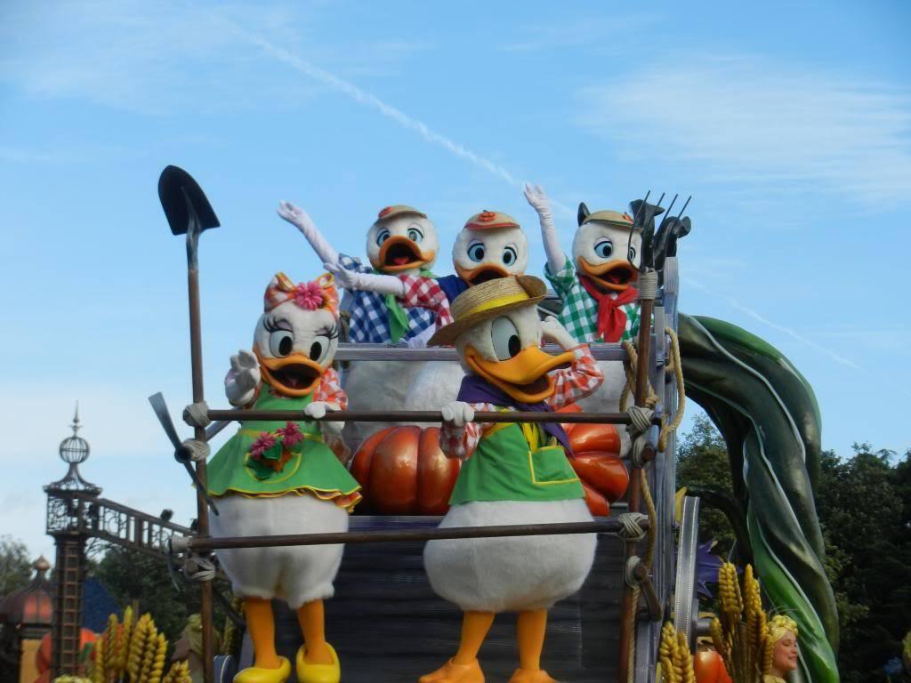 Une journée à Disneyland pour découvrir la période d' Halloween ! - Page 4 DSCN6241_zps10f6c3b9