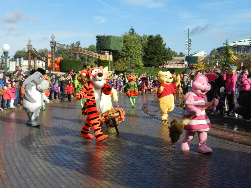Une journée à Disneyland pour découvrir la période d' Halloween ! - Page 4 DSCN6247_zpsd268fdff