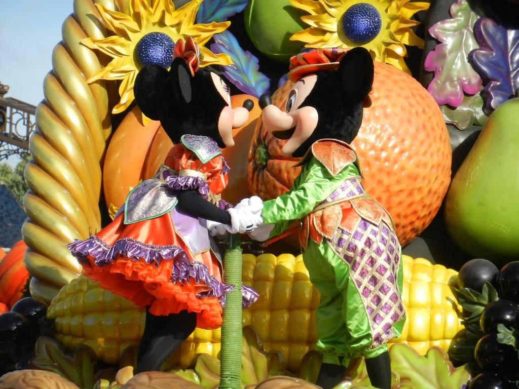 Une journée à Disneyland pour découvrir la période d' Halloween ! - Page 4 DSCN6263_zps52b18830