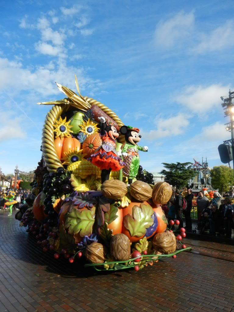 Une journée à Disneyland pour découvrir la période d' Halloween ! - Page 4 DSCN6267_zps566b42be
