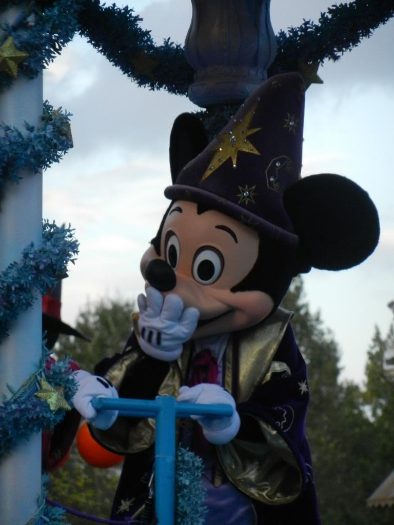 Une journée à Disneyland pour découvrir la période d' Halloween ! - Page 5 DSCN6401_zps20b62f41