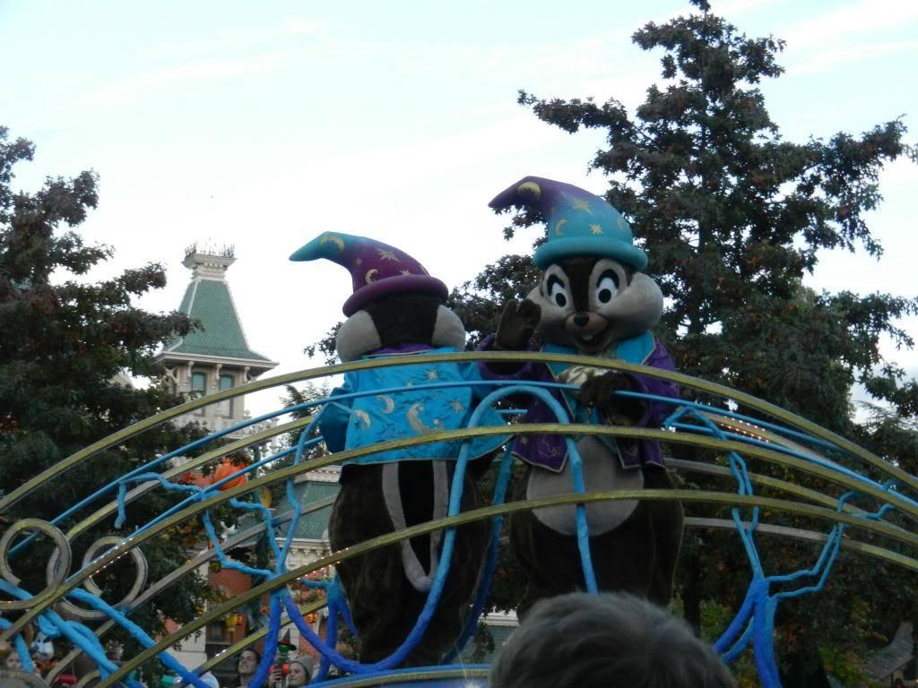 Une journée à Disneyland pour découvrir la période d' Halloween ! - Page 5 DSCN6403_zps1f5bab4b