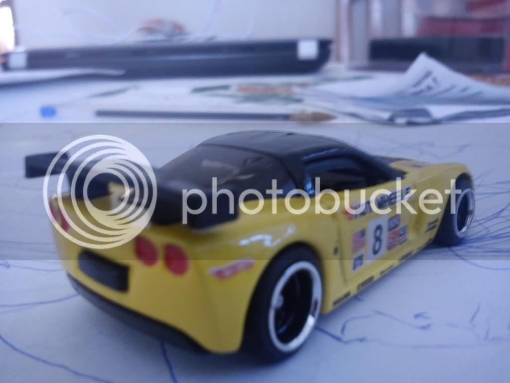 Chevrolet Corvette C6R zapatos y detalles... DSC00363_zps495a0a59