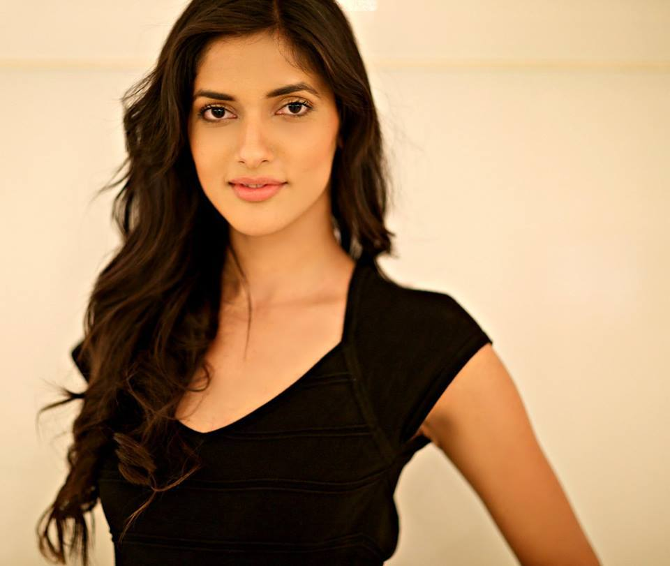 Femina Miss India 2016 - Results!! 12670776_10153477105321551_2276085992090097994_n_zpsnzvwhxc4