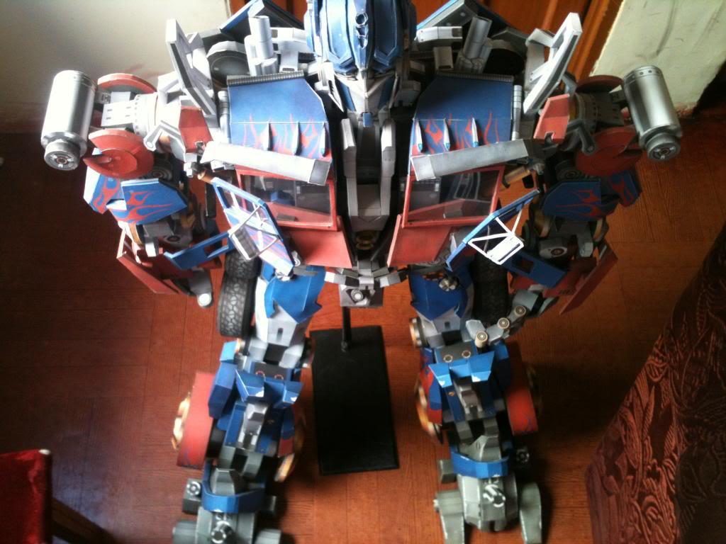 optimus prime 95% terminado Imagen902_zps537268c3