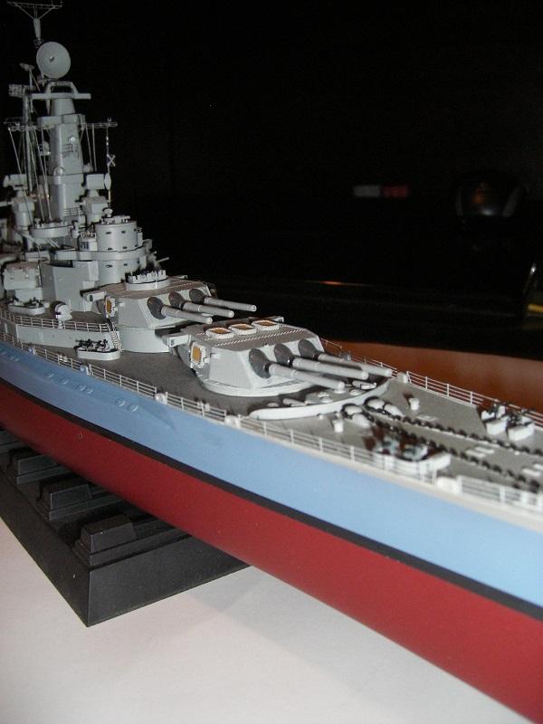 USS BB-60 Alabama 1942 a 1/350 de Trumpeter IMGP0813_zpsf8885749