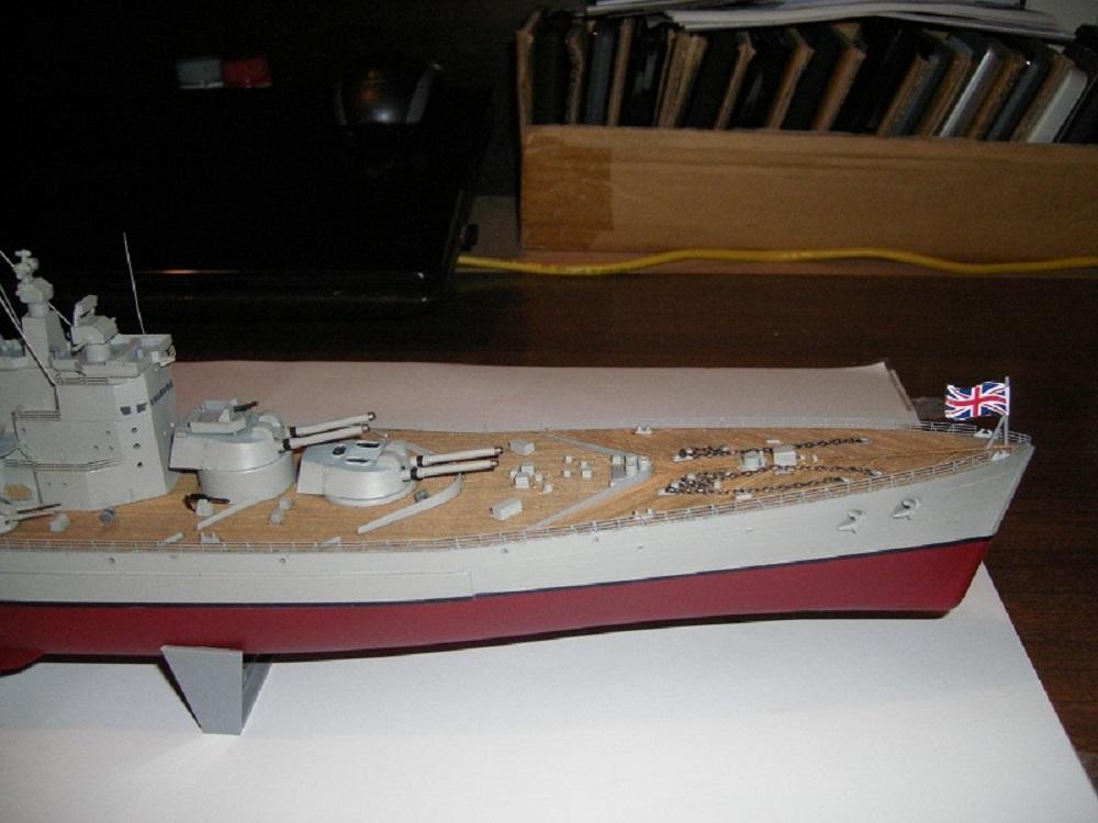 HMS Vanguard a 1/450 de Hasegawa IMGP0818_zpsd39672b0