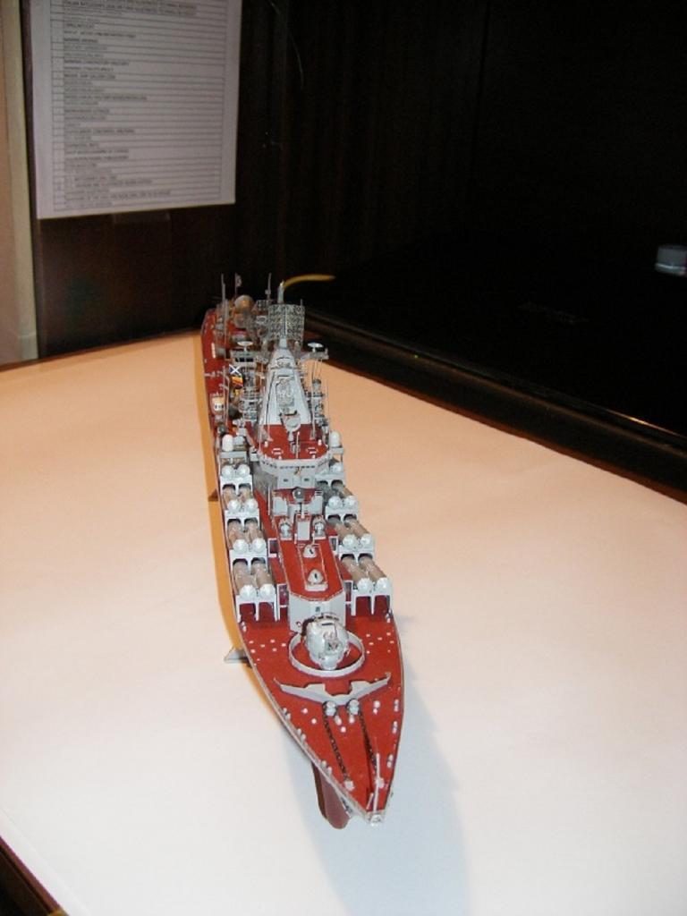 Russian Navy Slava Class Moskva a 1/350 de Trumpeter IMGP0844_zps82bf3c64