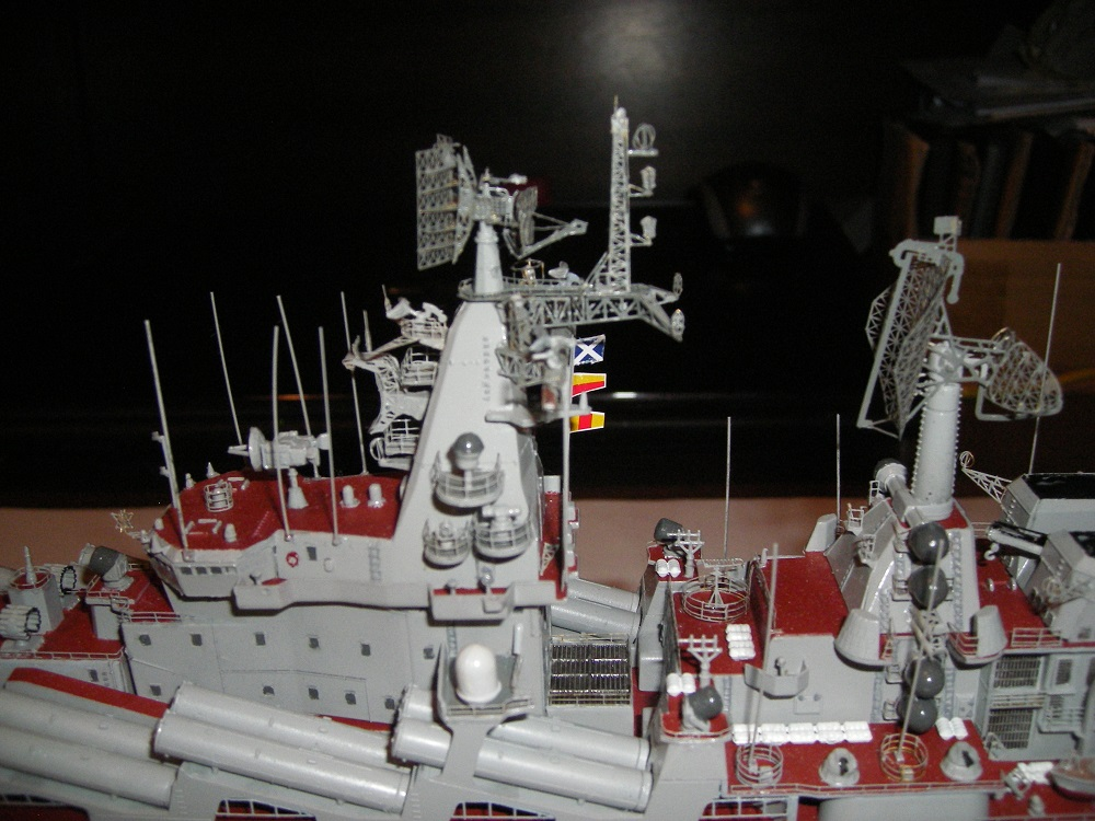 Russian Navy Slava Class Moskva a 1/350 de Trumpeter IMGP0851_zps6f05bdad