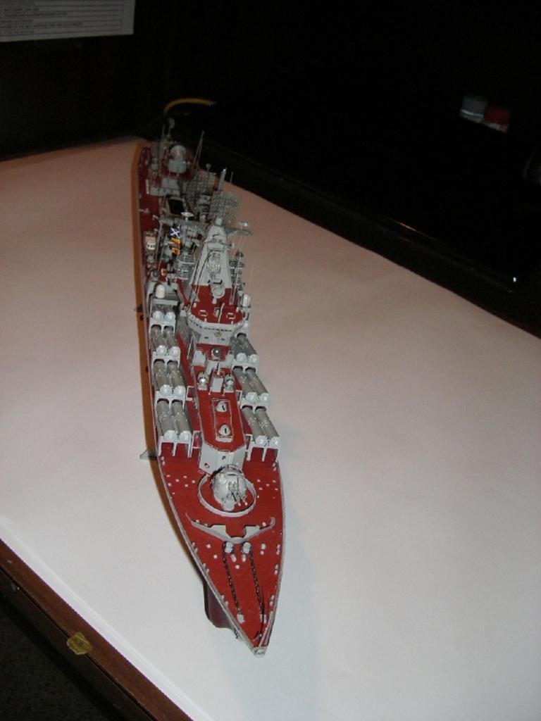 Russian Navy Slava Class Moskva a 1/350 de Trumpeter IMGP0856_zpsd28a0ea7