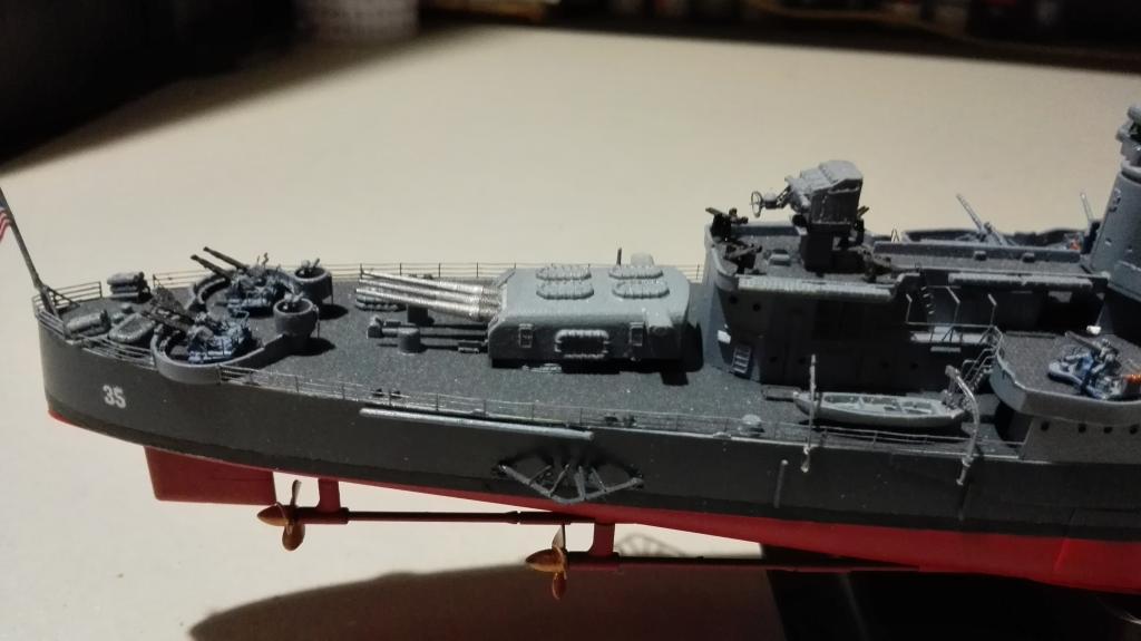 USS Heavy Cruiser CA-35 Indianápolis a 1/350 de Academy Ref.14107 IMG_20150103_185333_zpseepzs5gk