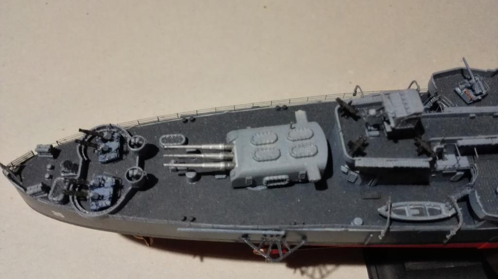 USS Heavy Cruiser CA-35 Indianápolis a 1/350 de Academy Ref.14107 IMG_20150103_185803_zpsis4sgwcq