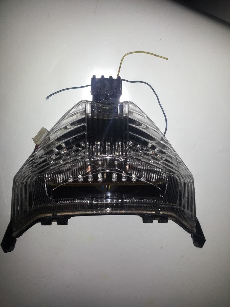 LANTERNA TRASEIRA EM LED para GSX 650F 20130102_201339_zps98417335