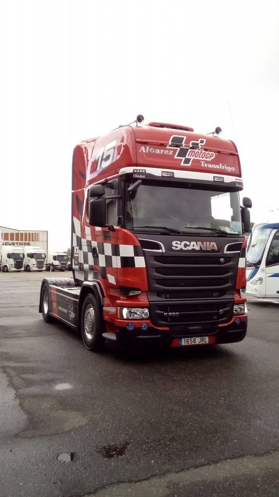 Exhibicion en concesionario Scania Valladolid 22-10-2016 FormatFactory2017%2010-22%20Presentacion%20nuevo%20Scania011_zpspjzxk154